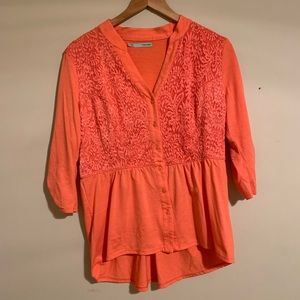 3/$15 Maurices peach v neck lace button up blouse